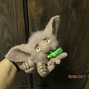Куклы и игрушки ручной работы. Ярмарка Мастеров - ручная работа РЕЗЕРВ..Девочка с кузнечиком ))(домовый тролль)). Handmade.