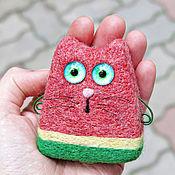 Куклы и игрушки ручной работы. Ярмарка Мастеров - ручная работа Кот Арбуз - декоративная войлочная игрушка. Handmade.