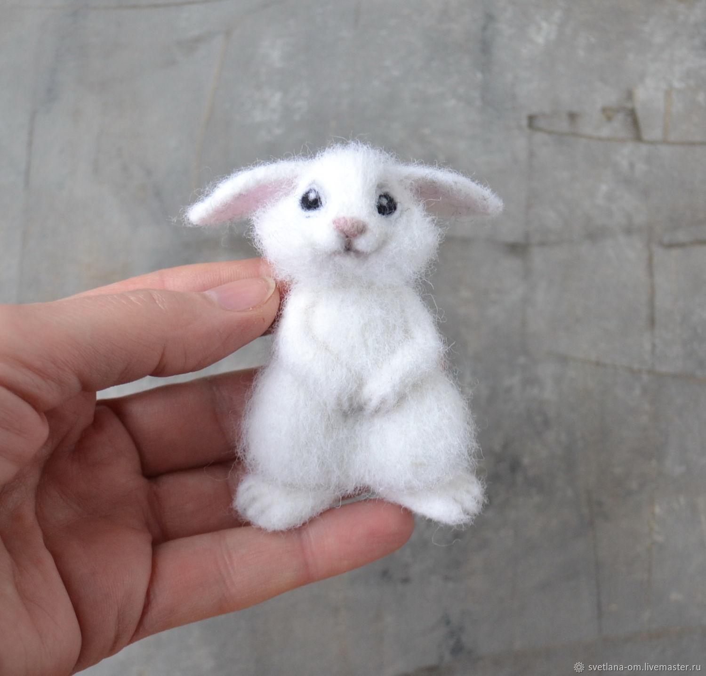 Брошь белый зайчик – заказать на Ярмарке Мастеров – K2CKORU | Брошь-булавка, Минск