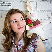 Куклы и игрушки ручной работы. Ярмарка Мастеров - ручная работа Зайка с брошкой. Handmade.