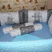 Бортики в кроватку ручной работы. Ярмарка Мастеров - ручная работа Набор в кроватку для малыша. Handmade.