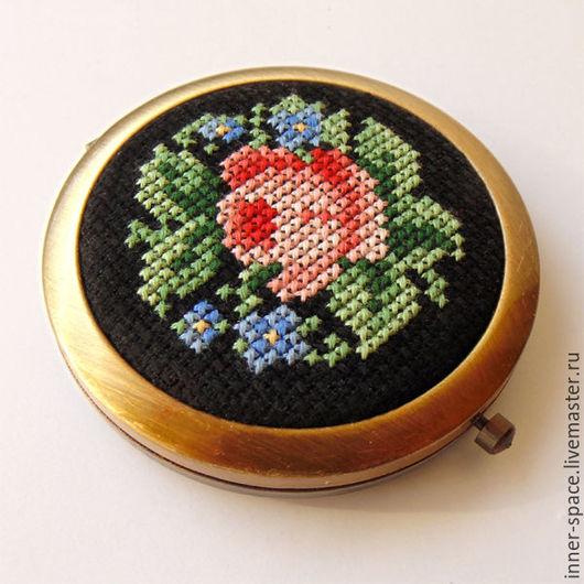 карманное зеркальце подарочное зеркальце купить женское зеркальце зеркало цветы зеркальце роза вышивка в подарок москва купить готовую вышивку крестом купить вышивку через интернет где купить вышивку