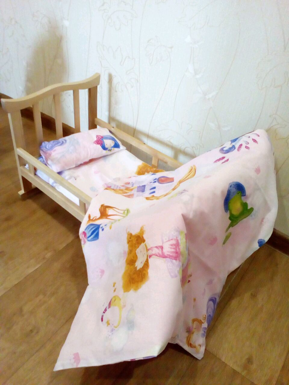 Кроватка для кукол сшитая своими руками