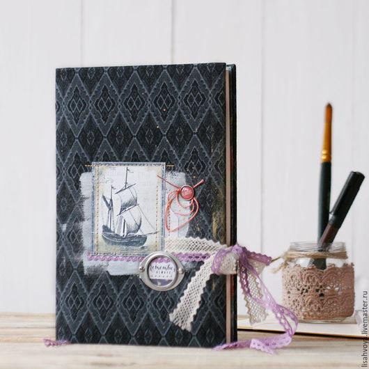 Блокноты ручной работы. Ярмарка Мастеров - ручная работа. Купить Черный нелинованный блокнот с корабликом (скетчбук). Handmade. Темно-серый