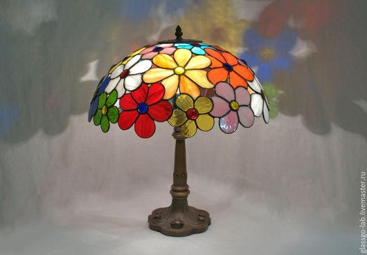 Настольная лампа  `ЛЕТО`, стекло, Тиффани, D- 38 см, 170 деталей.