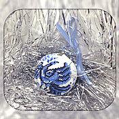 """Елочные игрушки ручной работы. Ярмарка Мастеров - ручная работа Елочный шарик """"Гжель"""". Handmade."""