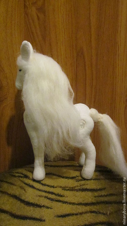 Игрушки животные, ручной работы. Ярмарка Мастеров - ручная работа. Купить Белый конь. Handmade. Белый, авторская ручная работа