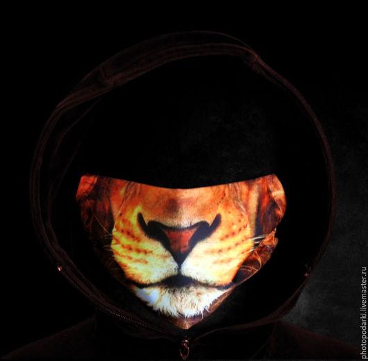 Маска с принтом льва