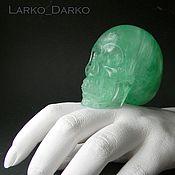 Большой череп Флюорит зеленый. Резьба по камню