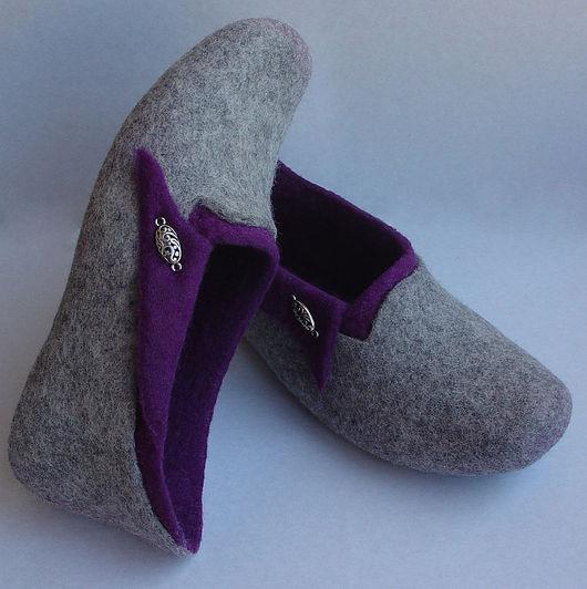 """Обувь ручной работы. Ярмарка Мастеров - ручная работа. Купить Валяные тапочки """"Капля серебра в пурпуре"""". Handmade. Валяные тапочки"""