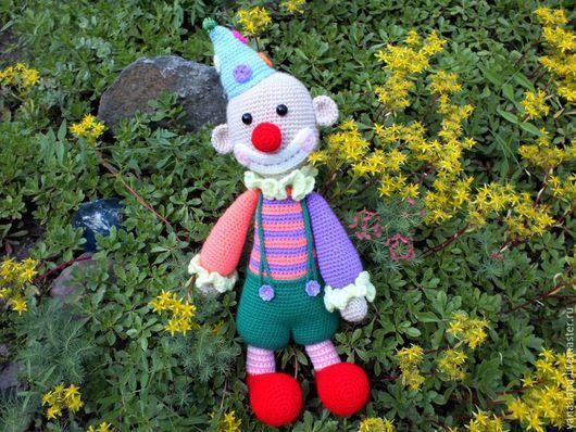 """Человечки ручной работы. Ярмарка Мастеров - ручная работа. Купить Вязаная игрушка """"Веселый клоун"""". Handmade. Разноцветный, игрушка, клоун"""