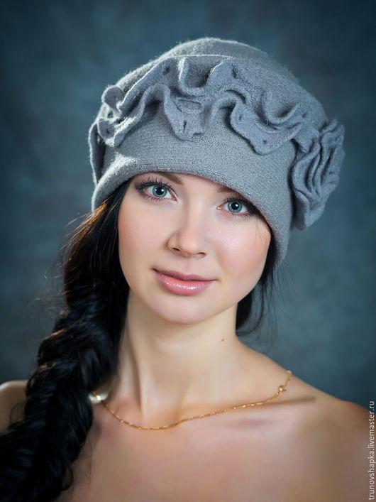 Шапки ручной работы. Ярмарка Мастеров - ручная работа. Купить Женская шапка рюша.. Handmade. Серый, женственность, шерстяная пряжа