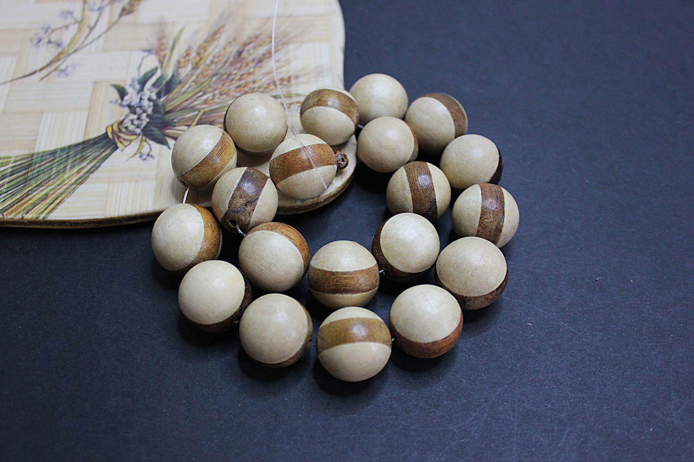 White Pangantuon wood beads with 20mm Robles ribbon, Beads1, Bryansk,  Фото №1