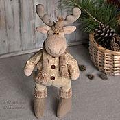 Куклы и игрушки ручной работы. Ярмарка Мастеров - ручная работа Лось в шарфе. Интерьерная игрушка. Handmade.