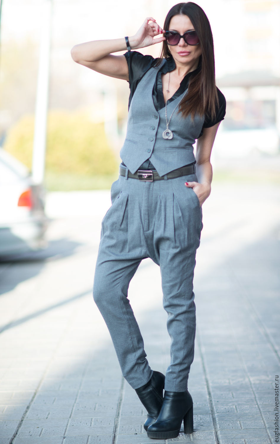 Women\'s costume. The vest and pants. Business grey suit SE0642CW ...