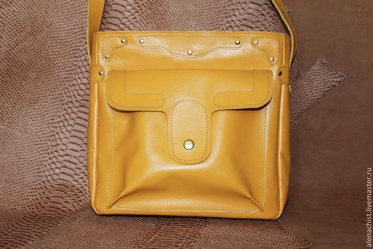 Женские сумки ручной работы. Ярмарка Мастеров - ручная работа. Купить Кожаная сумка Яркая. Handmade. Желтый, шафран
