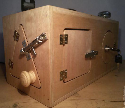 Развивающие игрушки ручной работы. Ярмарка Мастеров - ручная работа. Купить Бизиборд - сундучек. Handmade. Бизиборд, деревянные игрушки, Пазл