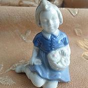 Винтаж handmade. Livemaster - original item FIGURINE GIRL WITH FLOWERS.ENGLAND. Handmade.