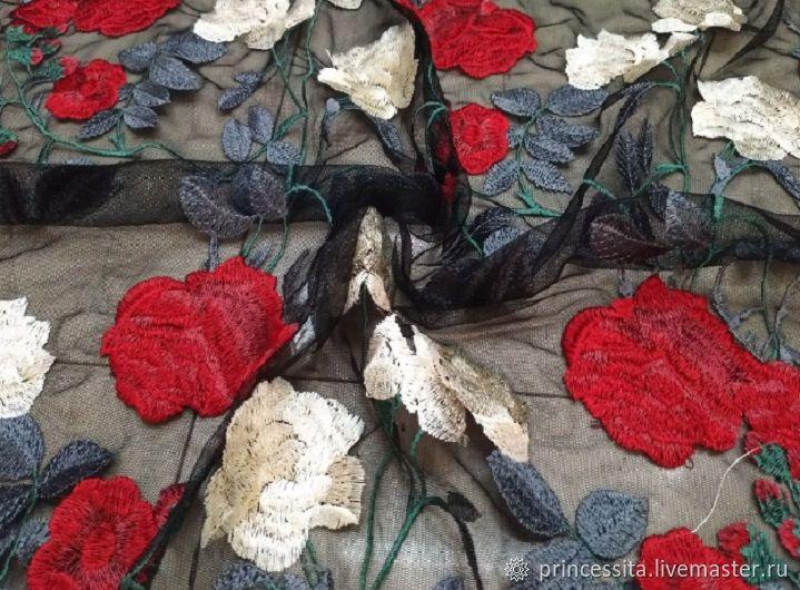 Вышивка розы на сетке 81