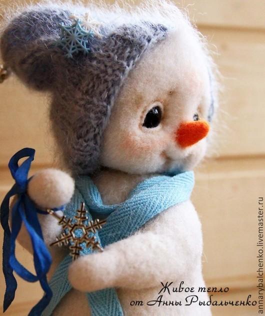 Сказочные персонажи ручной работы. Ярмарка Мастеров - ручная работа. Купить Снеговишка. Handmade. Белый, новый год 2015, войлочная игрушка