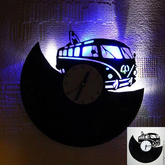 Часы для дома ручной работы. Ярмарка Мастеров - ручная работа. Купить Часы настенные с подсветкой из виниловой пластинки Volkswagen T1. Handmade.