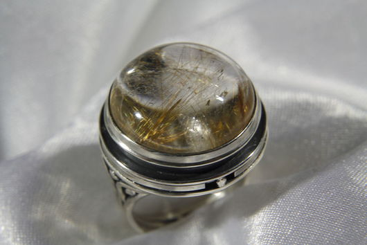 Кольца ручной работы. Ярмарка Мастеров - ручная работа. Купить Перстень из серебра с кварцем-волосатиком (рутиловым кварцеи). Handmade. Золотой