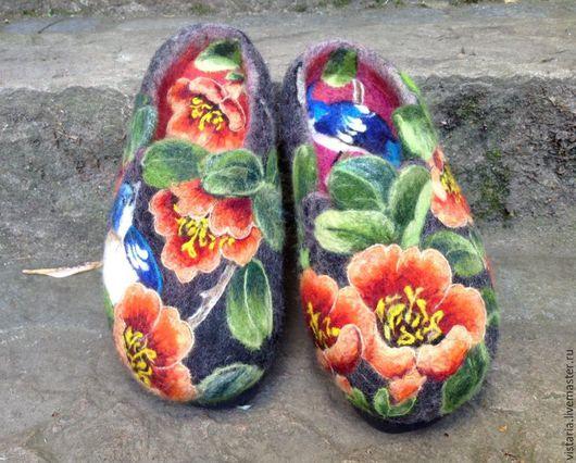 Обувь ручной работы. Ярмарка Мастеров - ручная работа. Купить Тапочки валяные. Handmade. Черный, шерсть 100%
