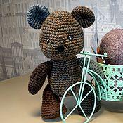 Мягкие игрушки ручной работы. Ярмарка Мастеров - ручная работа Медвежонок вязанный, голубое ухо. Handmade.