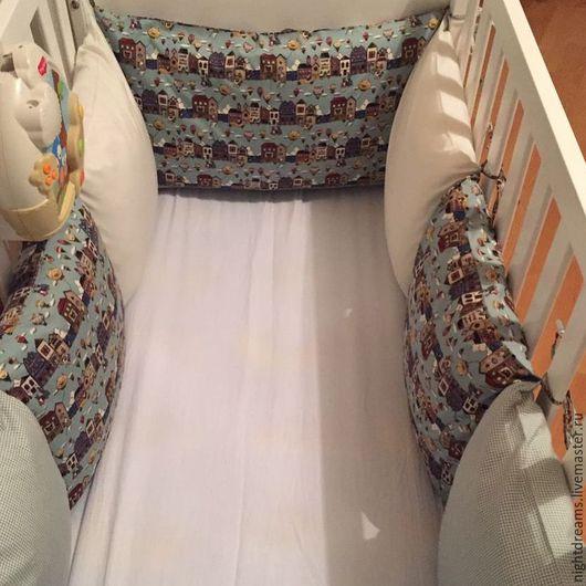 """Детская ручной работы. Ярмарка Мастеров - ручная работа. Купить Детское постельное белье, бортики-подушки """"Домики"""". Handmade."""