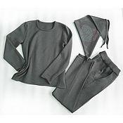 Одежда ручной работы. Ярмарка Мастеров - ручная работа Костюм вязаный, серый с разрезами. Handmade.