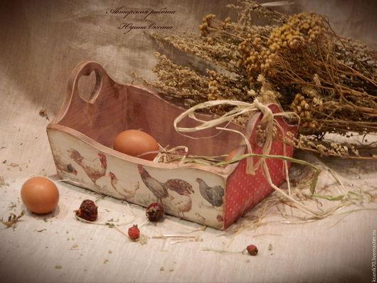 Короб `Петушки да курочки` для пасхальных яиц, сладостей, пирожков, хлеба. Авторская работа.Автор Юдина Оксана.