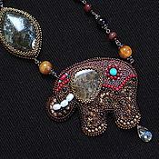 Украшения ручной работы. Ярмарка Мастеров - ручная работа Кулон со слоном. Слон. Слон из бисера. Слон из камней.. Handmade.