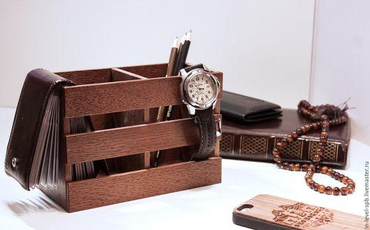 Удобный деревянный органайзер для канцелярии