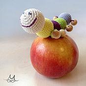 """Куклы и игрушки ручной работы. Ярмарка Мастеров - ручная работа Можжевеловый грызунок """"Гусенка мечтает стать бабочкой"""". Handmade."""
