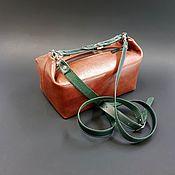 Саквояж ручной работы. Ярмарка Мастеров - ручная работа Маленький кожаный саквояж. Маленькая женская сумочка. Рыжий и изумруд.. Handmade.