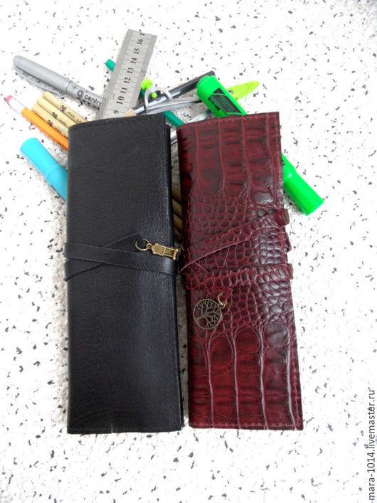 Пеналы ручной работы. Ярмарка Мастеров - ручная работа. Купить Кожаный пенал для ручек, карандашей, кистей и тд. Handmade. Черный