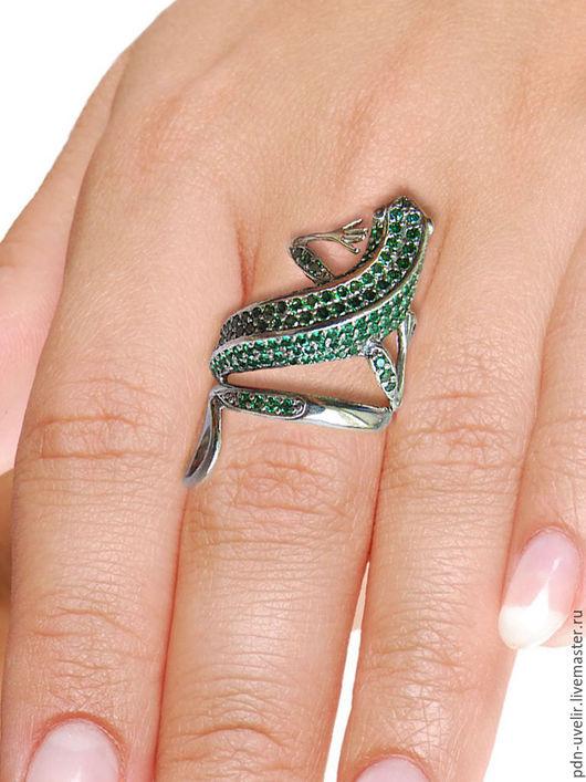 """Кольца ручной работы. Ярмарка Мастеров - ручная работа. Купить Кольцо из серебра """"Ящерка"""". Handmade. Кольцо, изумрудный, кольцо серебро"""
