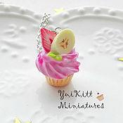 """Украшения ручной работы. Ярмарка Мастеров - ручная работа Кулон """"Banana-Strawberry Cupcake"""". Handmade."""