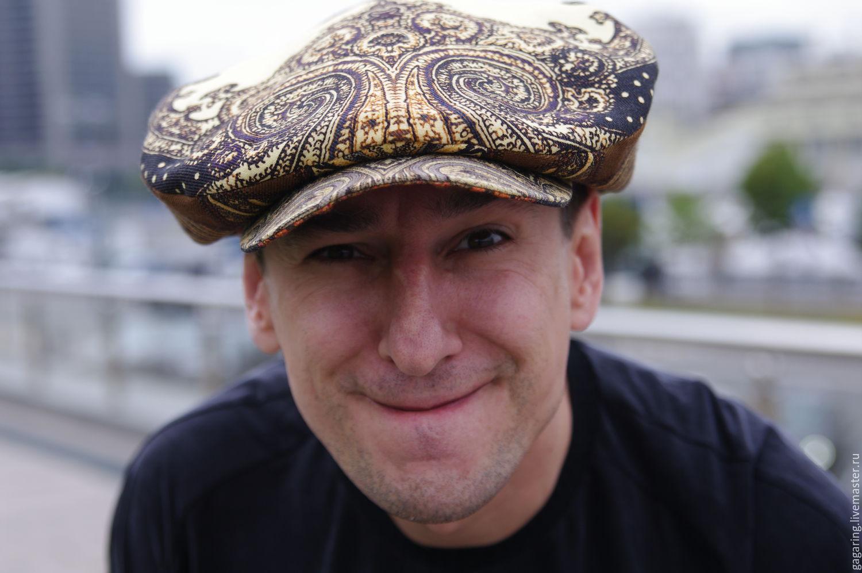 грузин в кепке фото зависимости места нахождения
