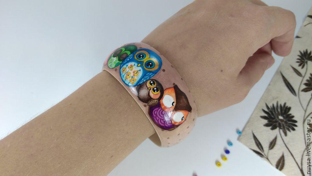 Bracelet wooden hand painted decoration \