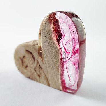 """Сувениры и подарки ручной работы. Ярмарка Мастеров - ручная работа USB флешка """"сердце"""" из дерева и смолы. Handmade."""