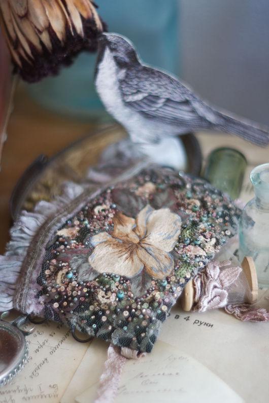 Браслеты ручной работы. Ярмарка Мастеров - ручная работа. Купить Вышитый браслет манжета с цветком в винтажном стиле. Handmade. Зеленый