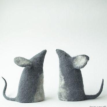 Сувениры и подарки ручной работы. Ярмарка Мастеров - ручная работа Мышка крыска  валяная Символ 2020 года. Handmade.