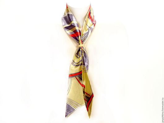 Узкий шарф Размер: Длина 119 см, ширина 8 см Материал:  Атлас Состав: Шелк 45%, Вискоза 45%, ПЭ 10% Цена: 200,00 руб   В комплекте с узким шарфом идёт муфта малая.