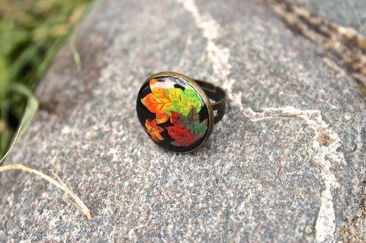 Кольца ручной работы. Ярмарка Мастеров - ручная работа. Купить Кольцо из полимерной глины Осенний листопад. Handmade. Черный, листья