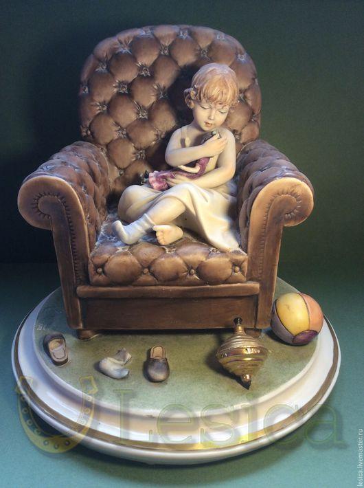 Винтажные предметы интерьера. Ярмарка Мастеров - ручная работа. Купить Статуэтка Capodimonte Девочка с куклой. Handmade. Статуэтка каподимонте