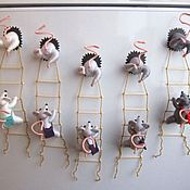 """Сувениры и подарки ручной работы. Ярмарка Мастеров - ручная работа """"Мышки-воришки"""" магнит на холодильник, разнообразие оттенков. Handmade."""