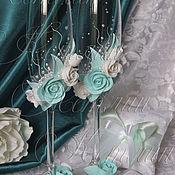 Свадебный салон ручной работы. Ярмарка Мастеров - ручная работа Бокалы и подушечка в бело-мятной гамме. Handmade.