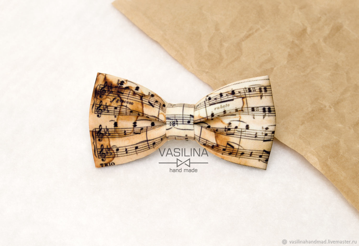 4c8392d4828d Note the bow Tie, Vintage sheet music, Musical stave, Musical butterfly ...
