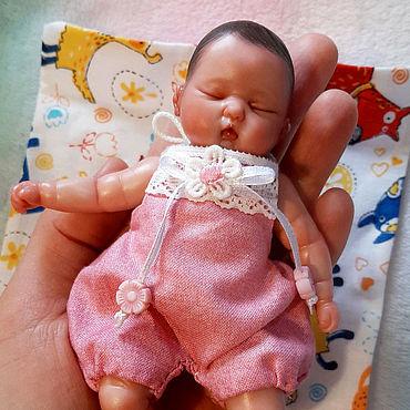Куклы и игрушки ручной работы. Ярмарка Мастеров - ручная работа Мини реборн из полимерной глины младенец девочка. Handmade.